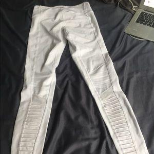 ALO Yoga White Moto Legging XXS